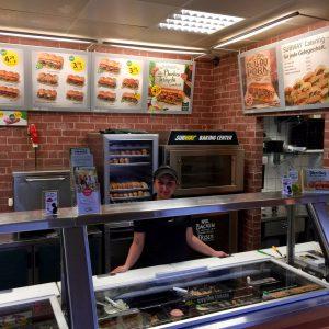 Store Managerin Tugba Yörük in der Kohlscheider Subway Filiale