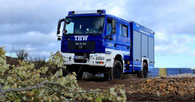 Technisches Hilfswerk - Fahrzeug