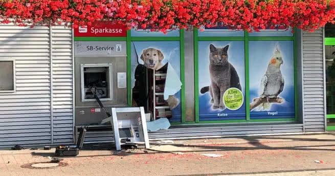 Geldautomat Detonation am Crumbach Gartencenter